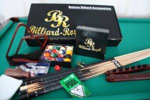Umfangreiches Zubehörset der Marke Billiard Royal, Billardtisch kaufen